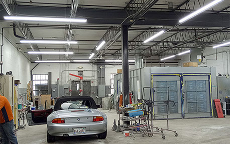 USA Auto Repair Shop with Lonyung Led Tri-proof Light